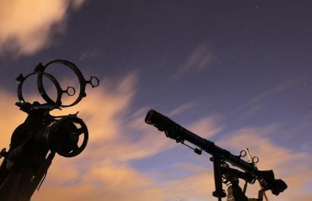 Астрономы-любители обнаружили группу комет у далекой звезды