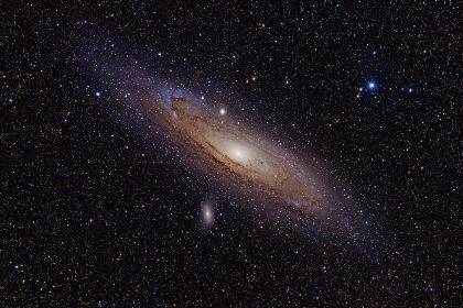 Астрономы объяснили спиральную структуру галактики андромеды