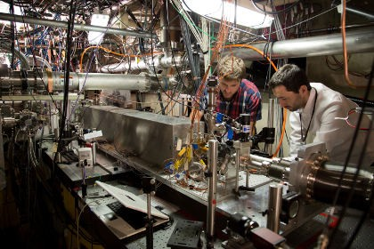 Длину ускорителя частиц можно сократить в 150 раз