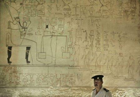 Египет надеется разрешить «загадку гробницы нефертити» до конца года