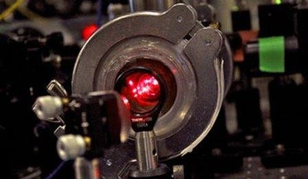 Физики охладили молекулы до рекордно низкой температуры