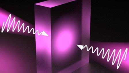 Физики заставили прозрачные материалы поглощать свет