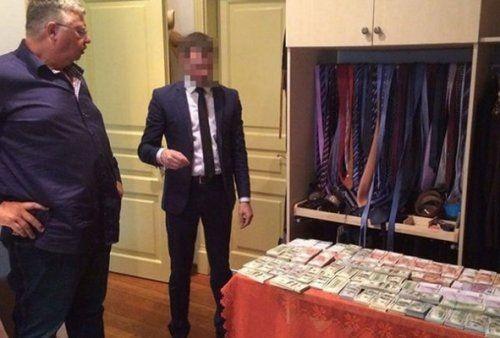 Главный таможенник россии назвал найденные унего миллионы семейными накоплениями - «экономика»