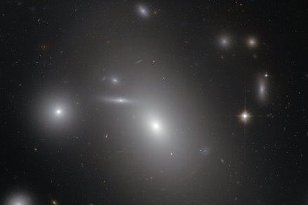 «Хаббл» измерил диаметр самой крупной черной дыры вселенной