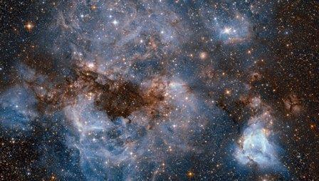 «Хаббл» получил фотографии «шторма» в космическом облаке