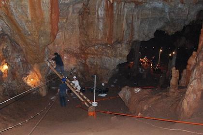 Израильский череп рассказал о контактах людей с неандертальцами