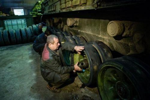 Киев приостановил финансирование оборонного заказа из-за нехватки средств - «экономика»