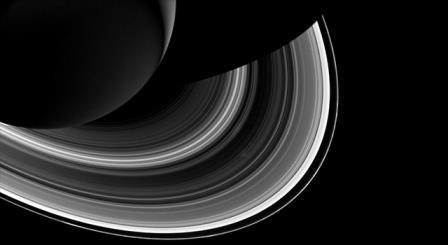 Кольцо f сатурна изменяется не по дням, а по часам