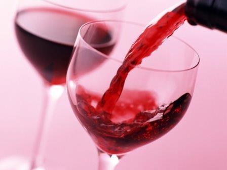 Красное вино способствует омоложению организма