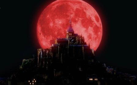 Кровавая луна выходит на орбиту 8 октября