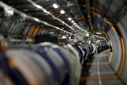 На коллайдере получены «капельки» исконной супержидкости — кварково-глюонной плазмы