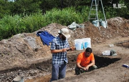 На острове русский обнаружили стоянку древних людей с сохранившимися предметами быта