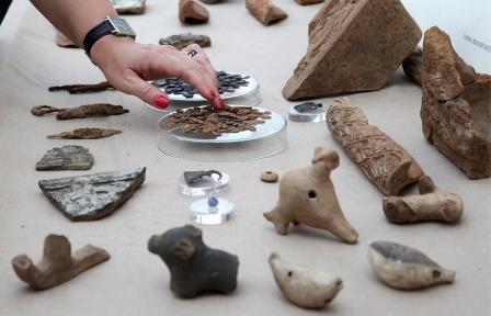 На софийской набережной москвы археологи нашли нелегальный рынок xiv века