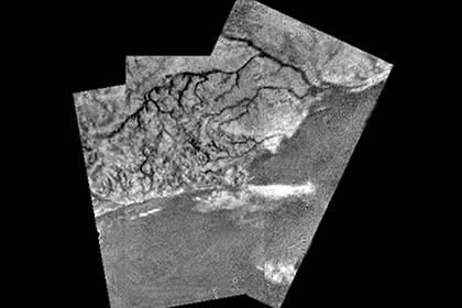 На титане допустили существование гигантских долгоживущих организмов
