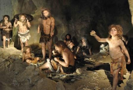Неандертальцы могли вымереть из-за неумения обращаться с огнем