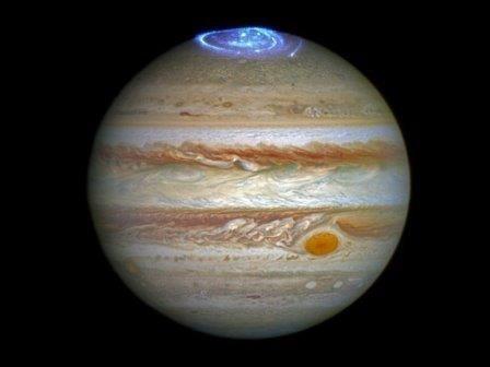 Полярное сияние на юпитере превосходит размерами землю
