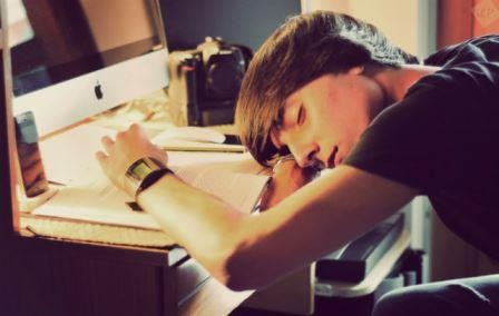 После длительного заучивания новой информации необходимо поспать