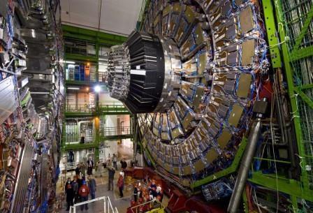 Протоны и антипротоны могут оказаться близнецами