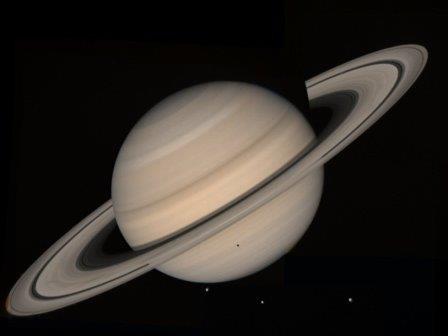 Самое большое кольцо сатурна находится за 60 миллионов километров от планеты