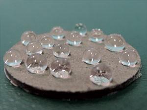 Самоочищающаяся поверхность из отходов силикона