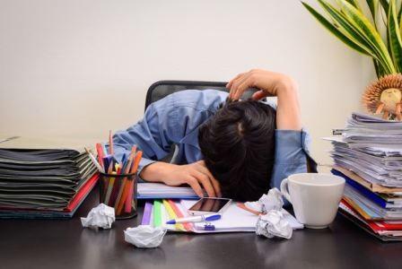 Ученые установили, почему «жаворонкам» лучше не работать по ночам