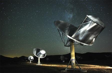 Внеземная жизнь скорее всего существует, но она слишком далека для контакта