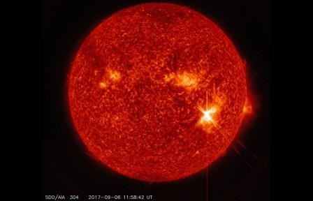 Вторая крупная вспышка на солнце произошла вечером 7 сентября